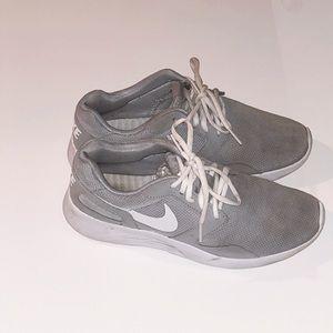 Nike Women's Tanjun Size 8.5 - Gray